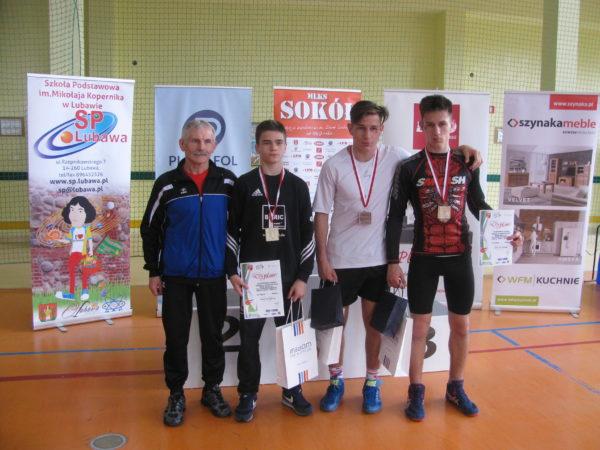 Medaliści mistrzostw Polski z Trenerem